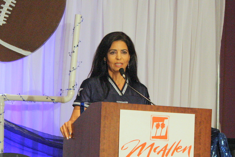 McAllen Chamber 2011 Woman of the Year, Alma Ortega Johnson thanks everyone for the honor.