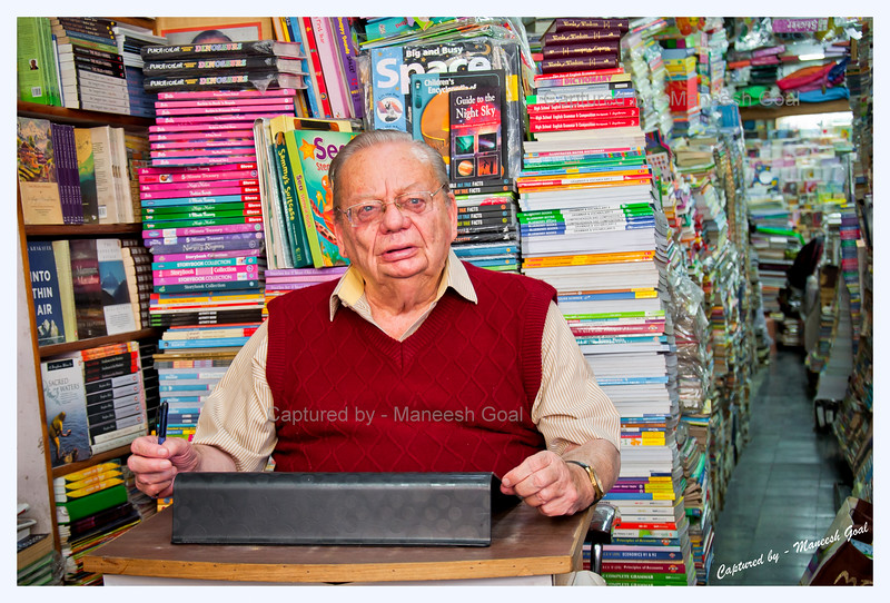 Mr. Ruskin Bond patiently waits for his fans