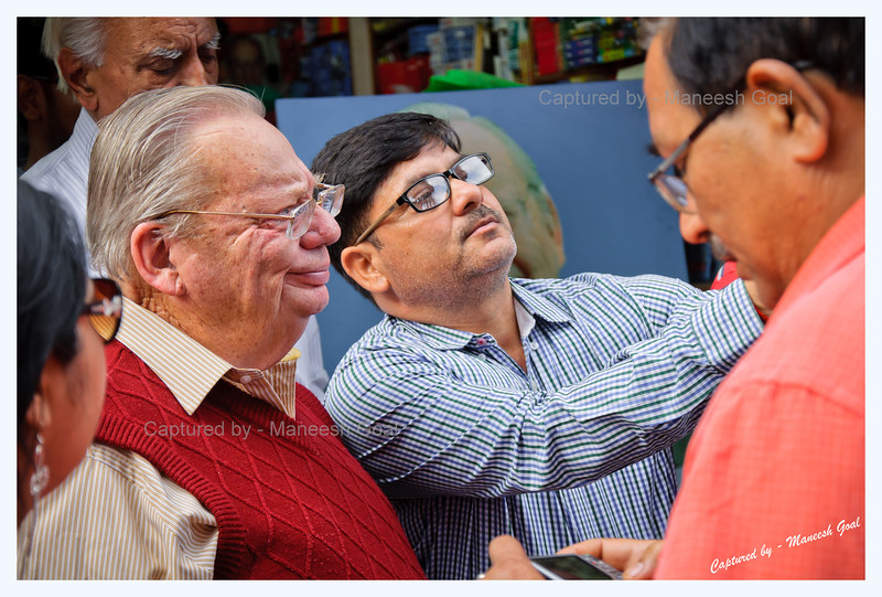 Fans taking selfies with Mr. Ruskin Bond