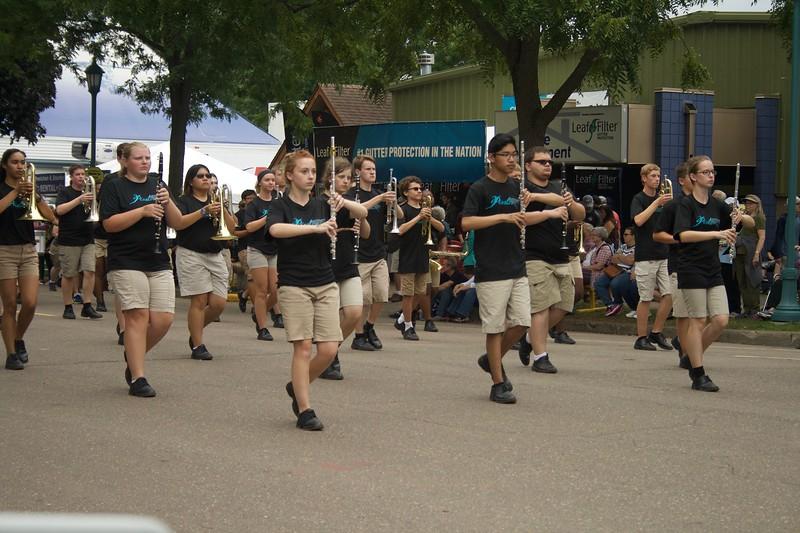 Parade 34