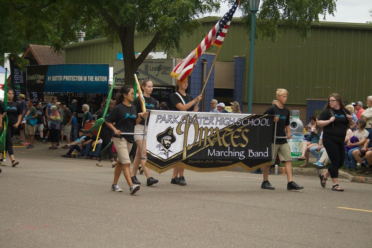 Parade 32