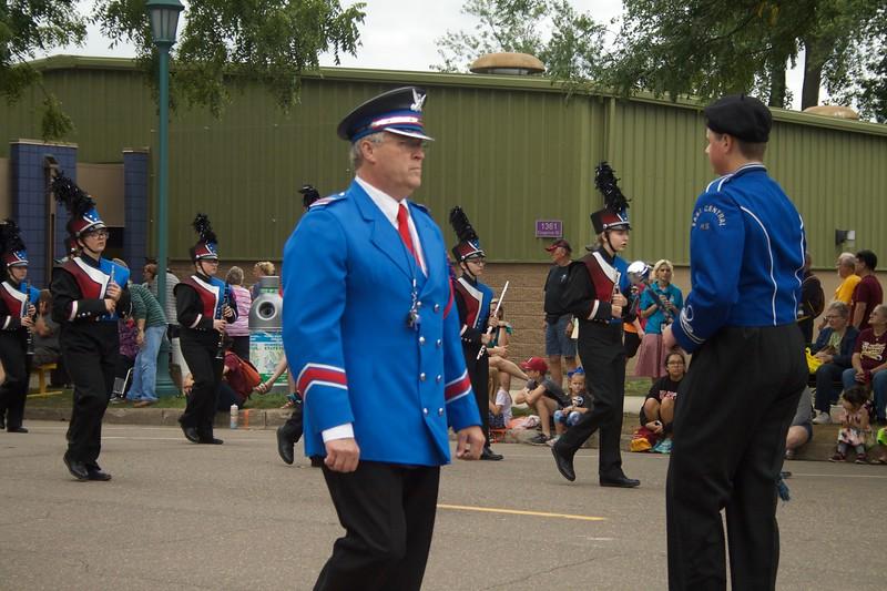 Parade 56