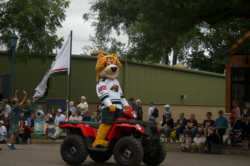 Parade 27