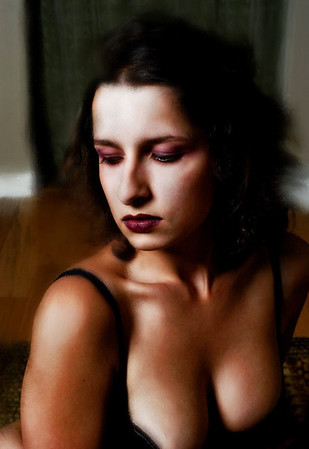 https://photos.smugmug.com/People/Models/Elanora/n-DVz8H/i-sk9TLvL/0/M/i-sk9TLvL-M.jpg