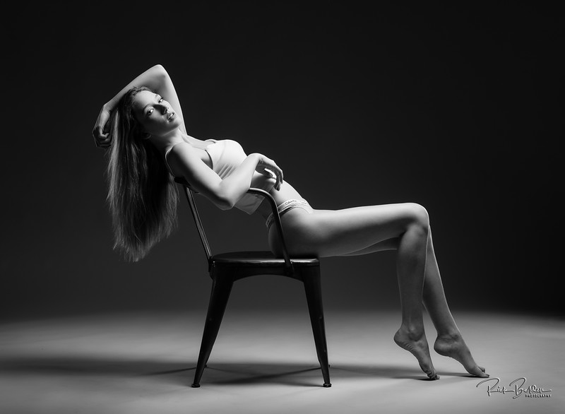 I love working with creative people!  Calvin Klein inspired shoot in my studio.    Model:  @brooklynblaylockk  Clothing: @calvinklein   .........................................................