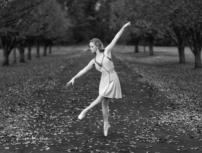 Had the privilage to work with this talented  Professional Ballerina today.  We made some beautiful images together.  I was debating as to whether these outside images would work as Black and White...what do you think?   ....   ......  @Traceface_m   ......
