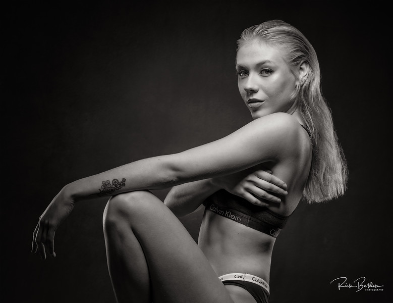 Clavin Klein inspired shoot in my studio....Michelle pulled off this look perfectly!    Model: @m.tschew  Clothing by:  @calvinklein  ...................................................