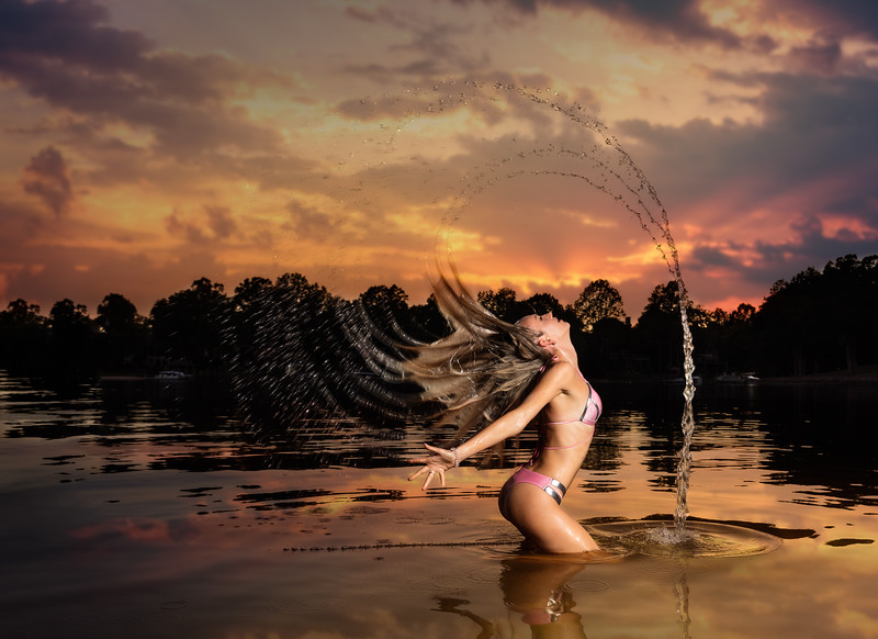 Now here is a shot you don't see everyday! :)  Evening Photoshoot on Lake Norman with Model Ms. Olga Clevi.    ...........................  Copyright @RickBeldenPhotography  Model:  @happy_lady_from_odessa          ...................................................