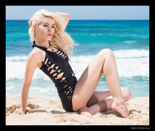 Twisted Cuts - Swimwear - Jennifer