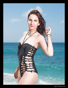 Twisted Cuts - Swimwear - Nadia