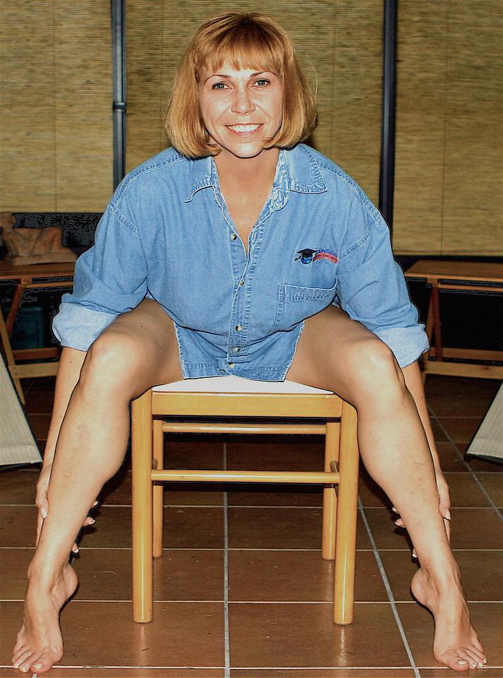 Natacha Legs Showoff