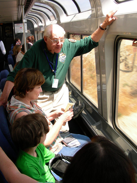 Bern Verbit interacts with Coast Starlight passengers (2008). Margaret Styles photo.