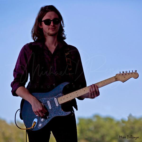 Guitar in Silhouette 5037