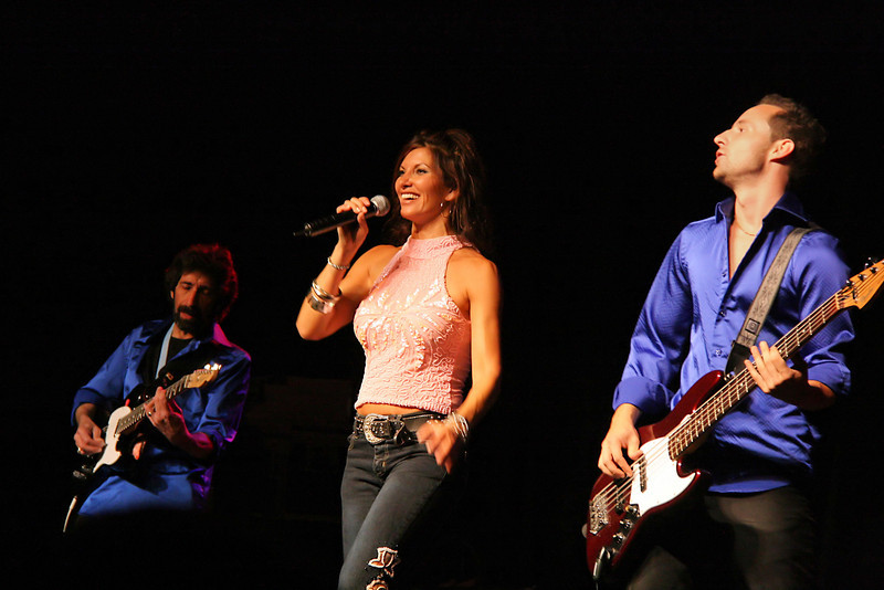 Shania Twin, a Shania Twain cover band.