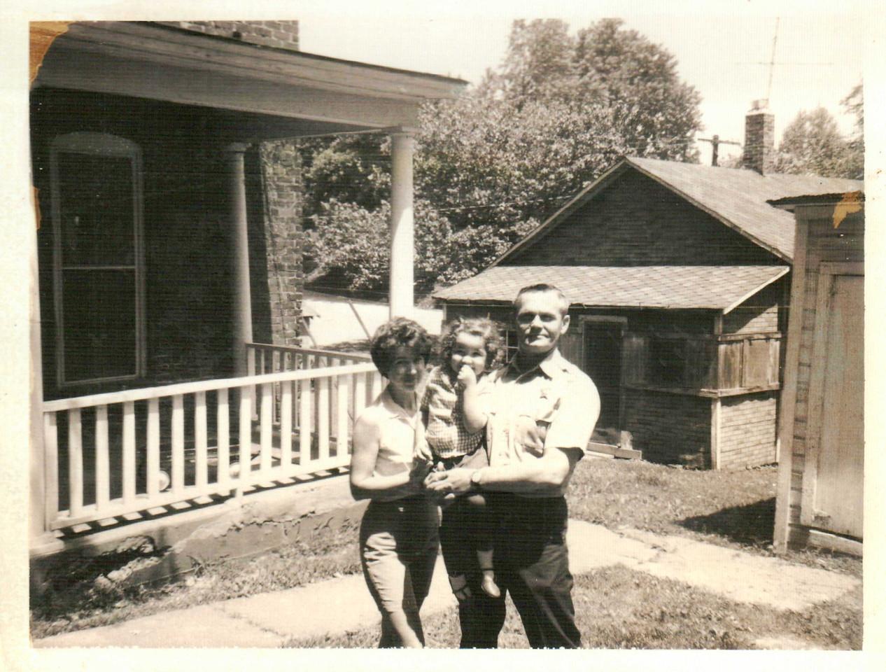 Mom, Sis & Pop. Johnson County Jail.