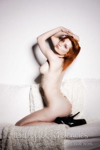 Ulorin Vex, nude