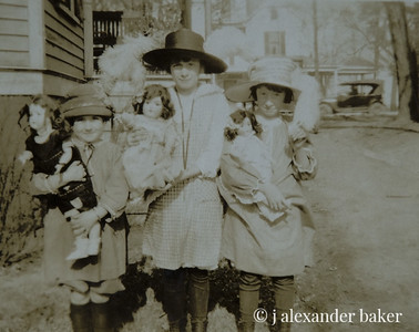 Betty Pollard, Marion & Edith Reade circa 1922