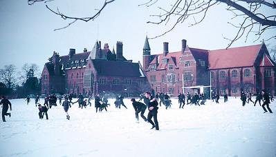 Snowball fight at Abingdon School