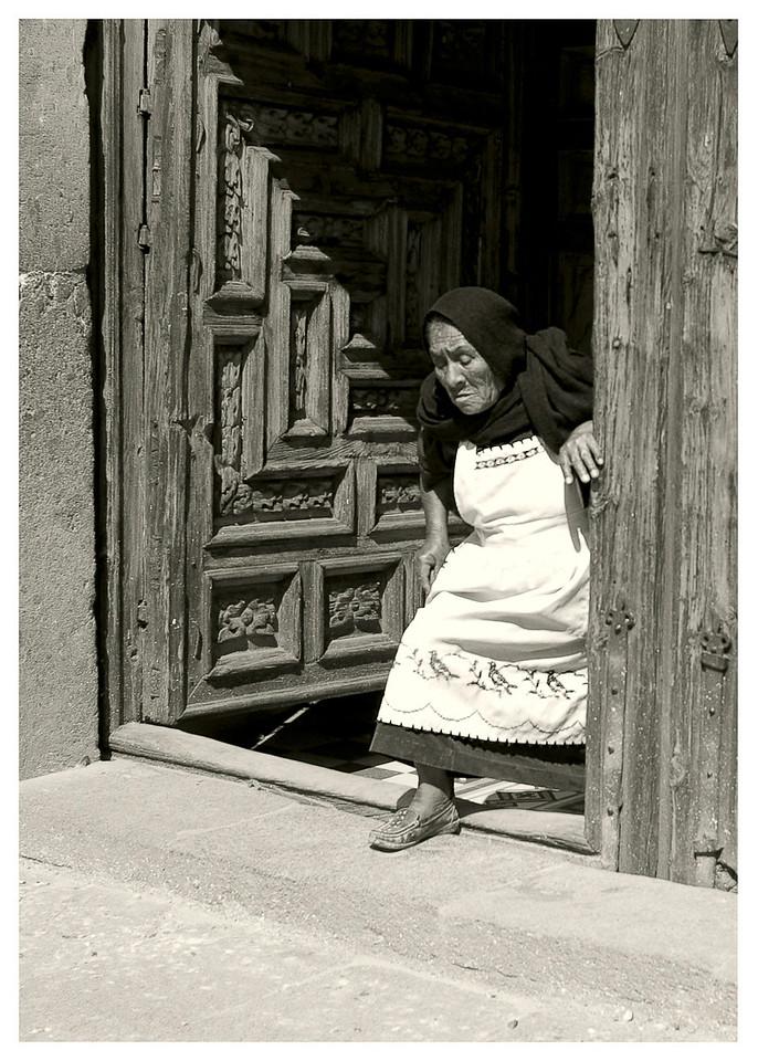 Old_Woman_at_Church_B&Wsrgb