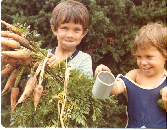 1978 - kids with carrots