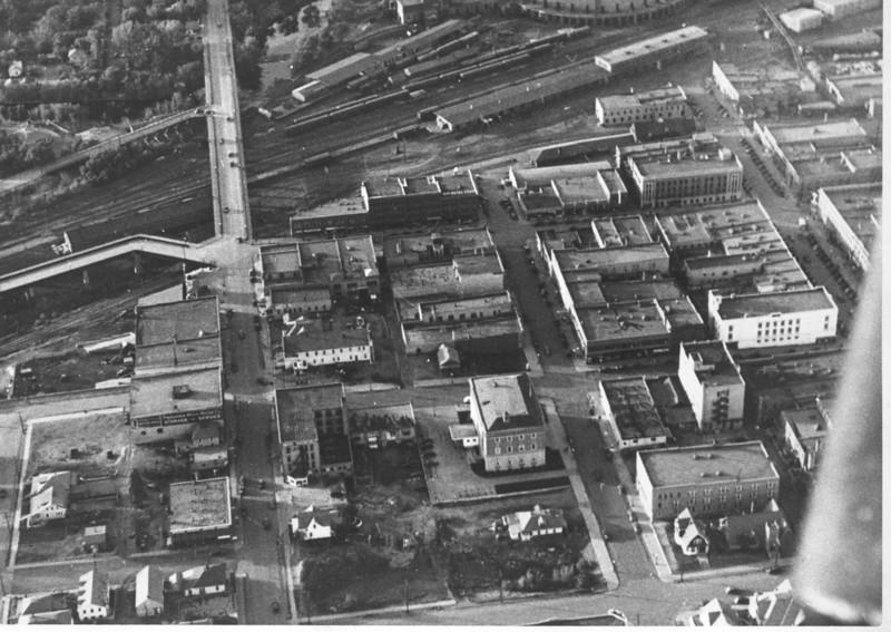 1940 Minot looking north on US83