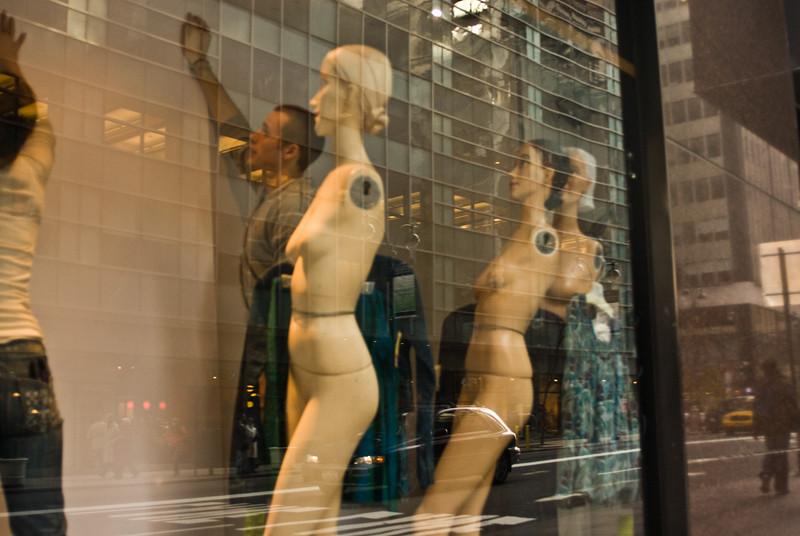 Figures. New York. 2007.