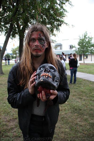2010-Zombie_323