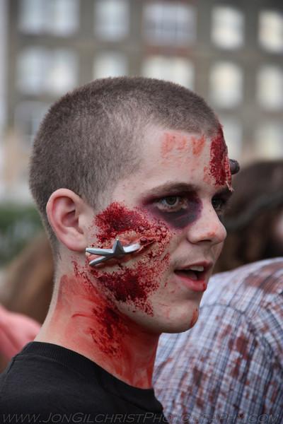 2010-Zombie_261