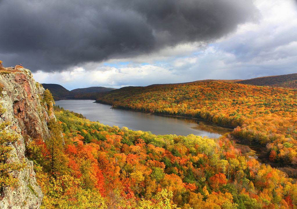 """OMG Autumn Moment at Lake of the Clouds"""
