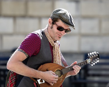 Daygan Robinson busking in Bath August 31st 2014