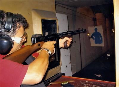 Man fires Tommy Gun in Florida 2004