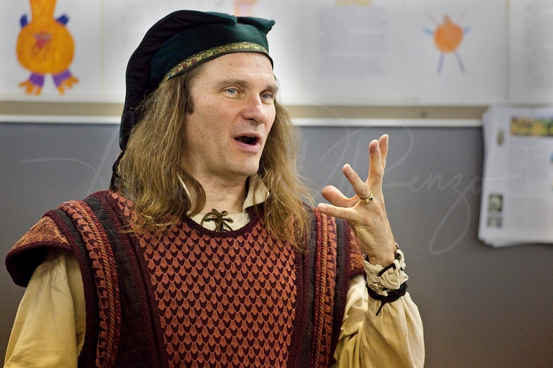 Johnathan the Storyteller  1562