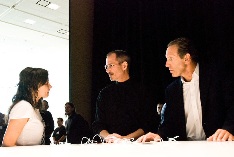 Singer K.T. Tunstall, Apple CEO Steve Jobs and Starbucks CEO Howard Schultz at the Moscone Center in San Francisco, presenting Apple's fall 2007 collection of iPods.