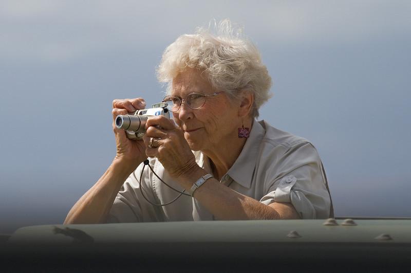 Maxine Photographing, Amboseli
