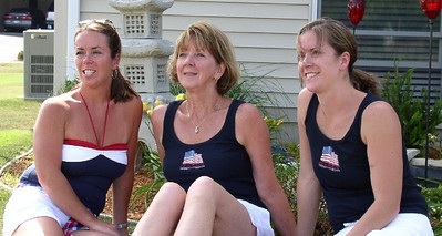 Ida with her two daughters, Debbie and Kristie