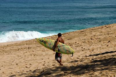 040902 220453 surfer