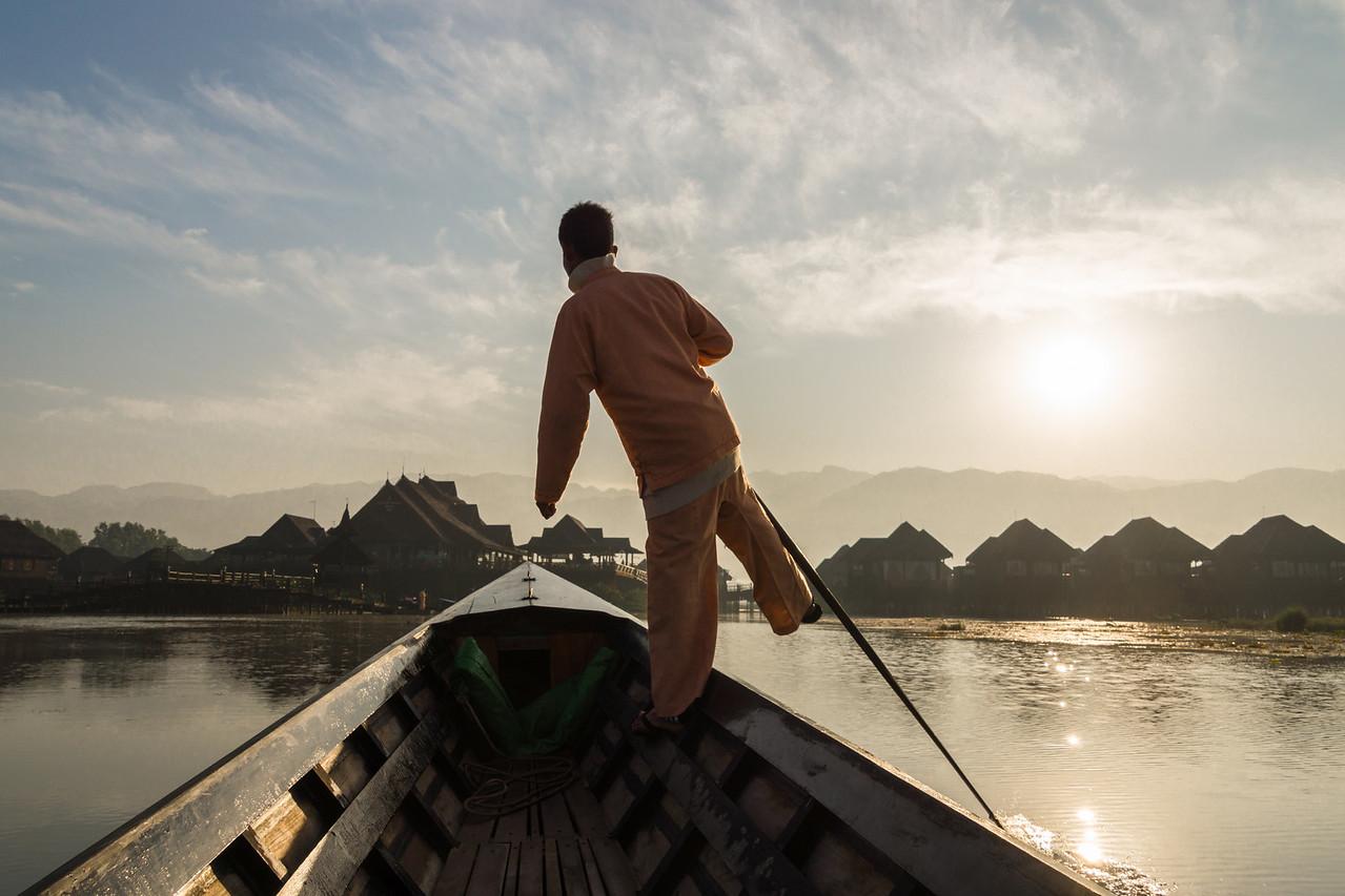 foot paddling, Inle Lake, Myanmar