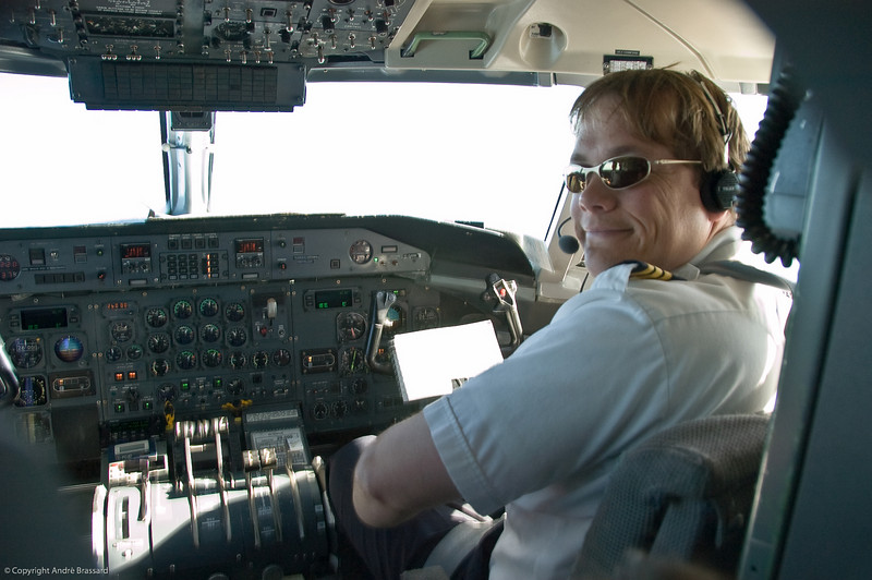 Air Inuit co-pilot