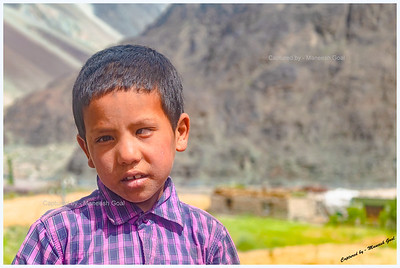 Ladakhi Kid (caught him on his way to school)