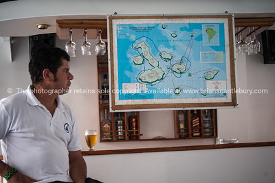 Fabian, briefing time.          www.blurb.com/b/3551540-galapagos-islands
