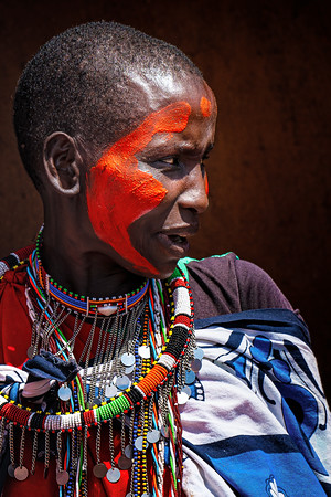 Red Painted Woman Kenya Copyright 2021 Steve Leimberg UnSeenImages Com _DSC3057