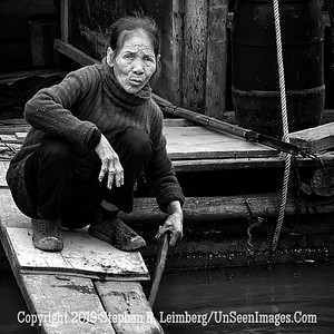 Lady on Floating Home - B&W Copyright 2018 Steve Leimberg UnSeenImages Com _Z2A2755