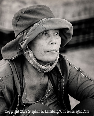 Woman in Market - B&W Copyright 2018 Steve Leimberg UnSeenImages Com _DSC0487