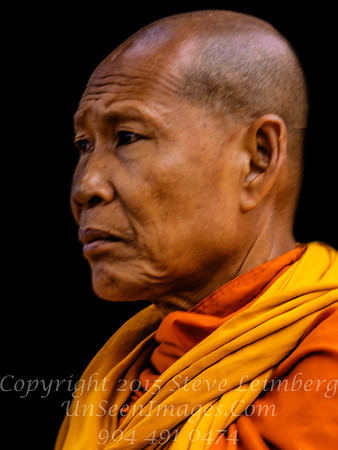 Monk Ankor Wat Copyright Steve Leimberg UnSeenImages Com_Z2A6003