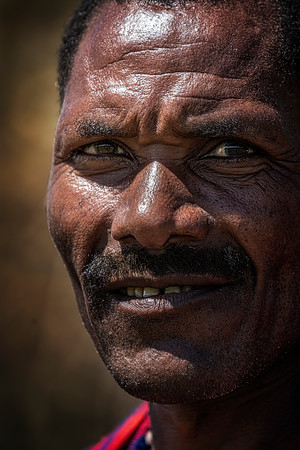 Kenyan Villager x  Copyright 2021 Steve Leimberg UnSeenImages Com _DSC2726