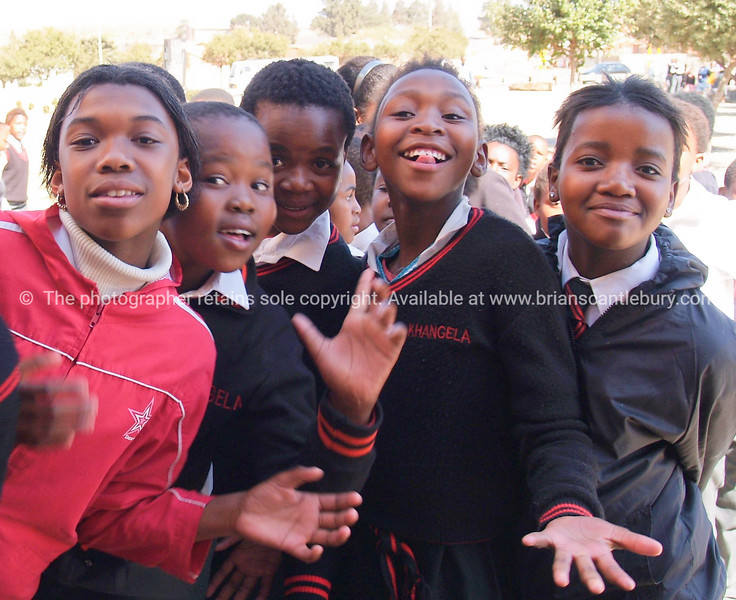"""Enthusiastic scholl kids gather and  pose for the camera. <br />  <a href=""""http://smu.gs/YlqpWr"""">http://smu.gs/YlqpWr</a> FOR MORE AFRICAN IMAGES.<br /> Model Release; No. Editorial or personal use only."""