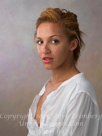 Linzy Lauren 2012 A0003595