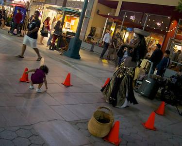 Dancer, Santa Monica Third Street Promenade  ref: 29c2a3e6-149d-489a-bfc6-dc874eaa7751