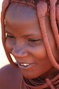 Himba vrouw, Epupa Falls, Namibië.