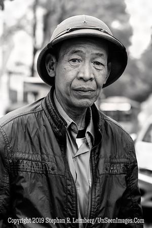 Man in Street - Copyright 2018 Steve Leimberg UnSeenImages Com _Z2A3499